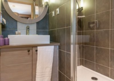 salle-de-bain-residence-premium-les-terrasses-d-helios-flaine-FTL_70696_34