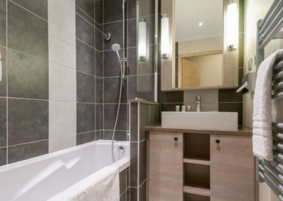 salle-de-bain-residence-premium-les-terrasses-d-helios-flaine-FTL_70703_43